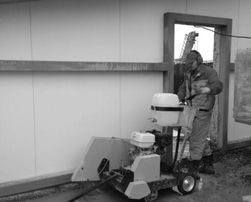 Проем в стене: резка или бетонолом